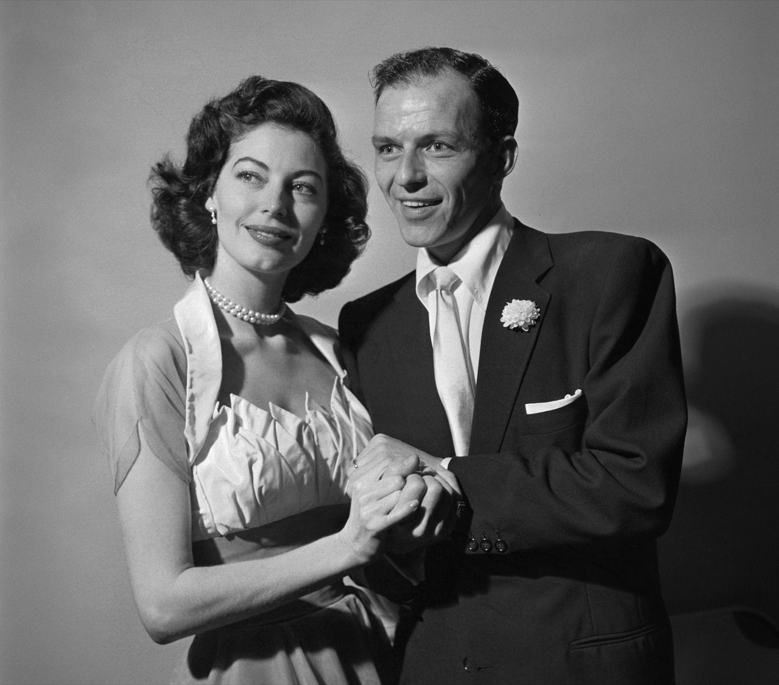 Frank Sinatra And Ava Gardner On Their Wedding Day November   Cbs