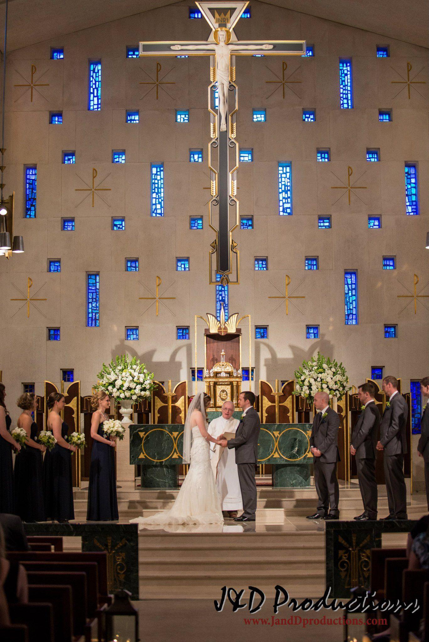 Jennifer And Andrew S Wedding At St Michael Catholic Church In Houston Tx Texasweddingvenues Fabuloustexasweddingvenues Weddings Texasweddings