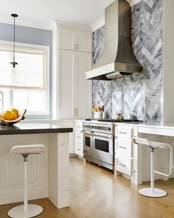 Best White And Gray Kitchen Features A Stainless Steel French 400 x 300