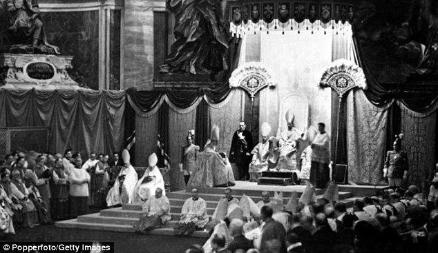 WWII Pope's 'secret sc...