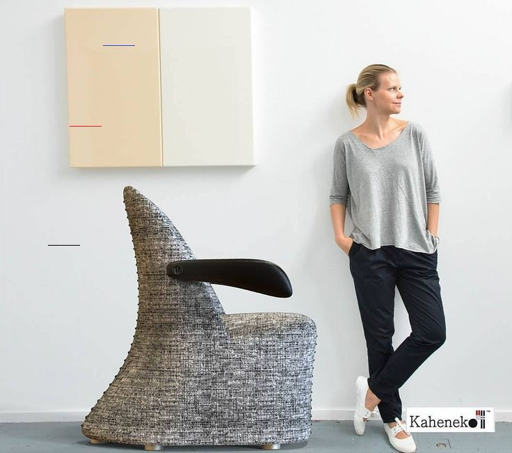 La chaise talonné (Chair). Designed by @kaheneko at Kaheneko ProDesign Studio.  #Furniture#furnituredesign#furnituredesigner#c4d#productdesign#industrialdesign#prototype#design#fashion#prodeez#render#interiors#architecture#goodmorning #fashion#kaheneko#travel #decor#decoration#sketch#music#designing#studio#luxary#beau#jolie#chaise#sunrise by officialkaheneko<br>