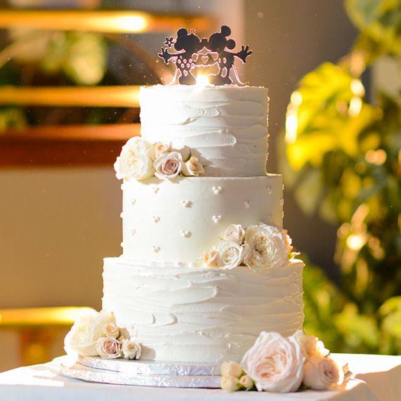 Today's Wedding Cake Wednesday Feature Is A Nod To One Of