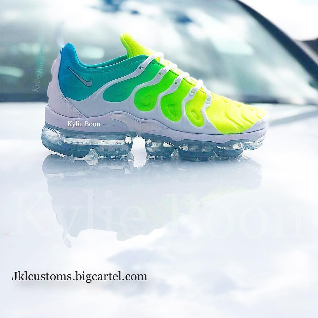 4127426911 Still available. Free shipping. Link in bio! Sprite Vapormax Plus TN ...