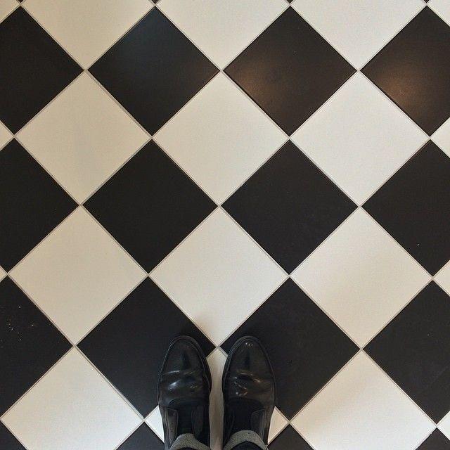 Selfie Shoes Dedicace For Flodeau Carrelage Noir Et Blanc Carrelage Noir Agence Architecture