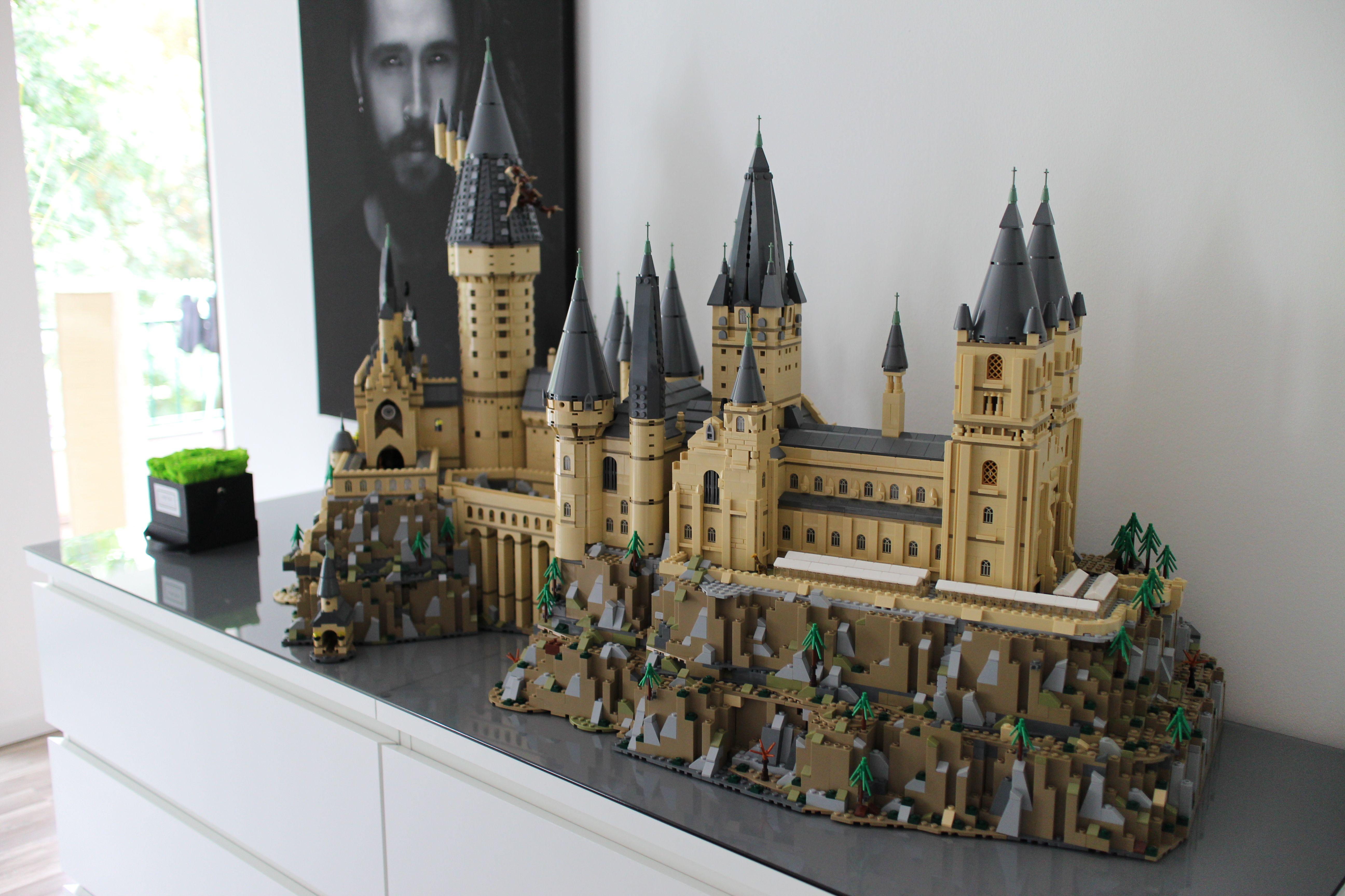 71043 Hogwarts Castel Erweiterung Gebaude Wurde Im Ersten Abschnitt Gebaut Hier Auf Dem Foto Wurde Die Lego Harry Potter Lego Hogwarts Harry Potter Lego Sets