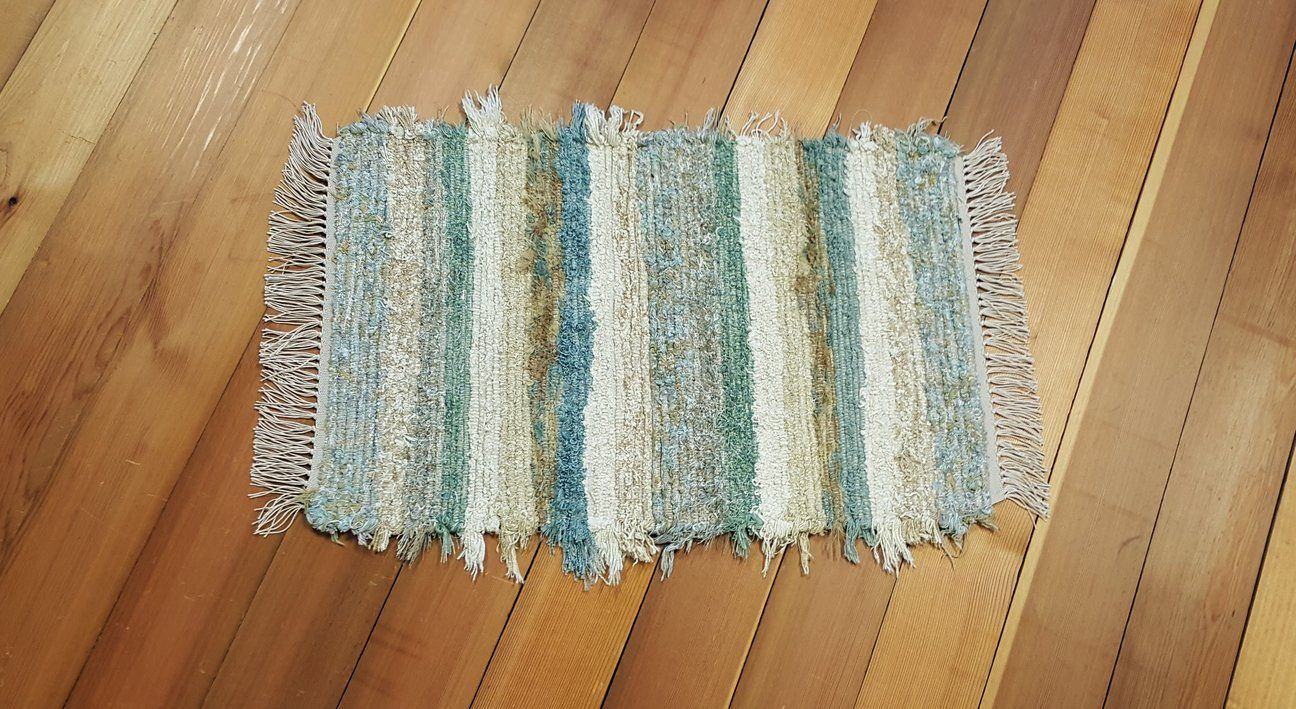 how to wash bathroom rugs by hand
