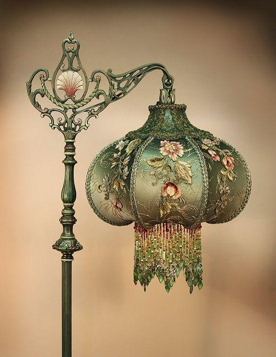 A Kindred Spirit Photo Lámparas, Victorian Lamp Shade Beaded Fringe