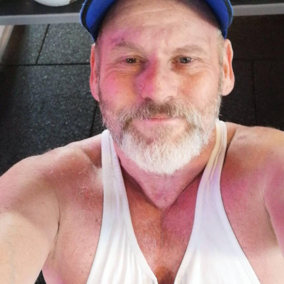 Laatste oefening.. De #buikspek #buikspieren  #rollen @basicfitemmen #wembley #bodybuilding #fitness...