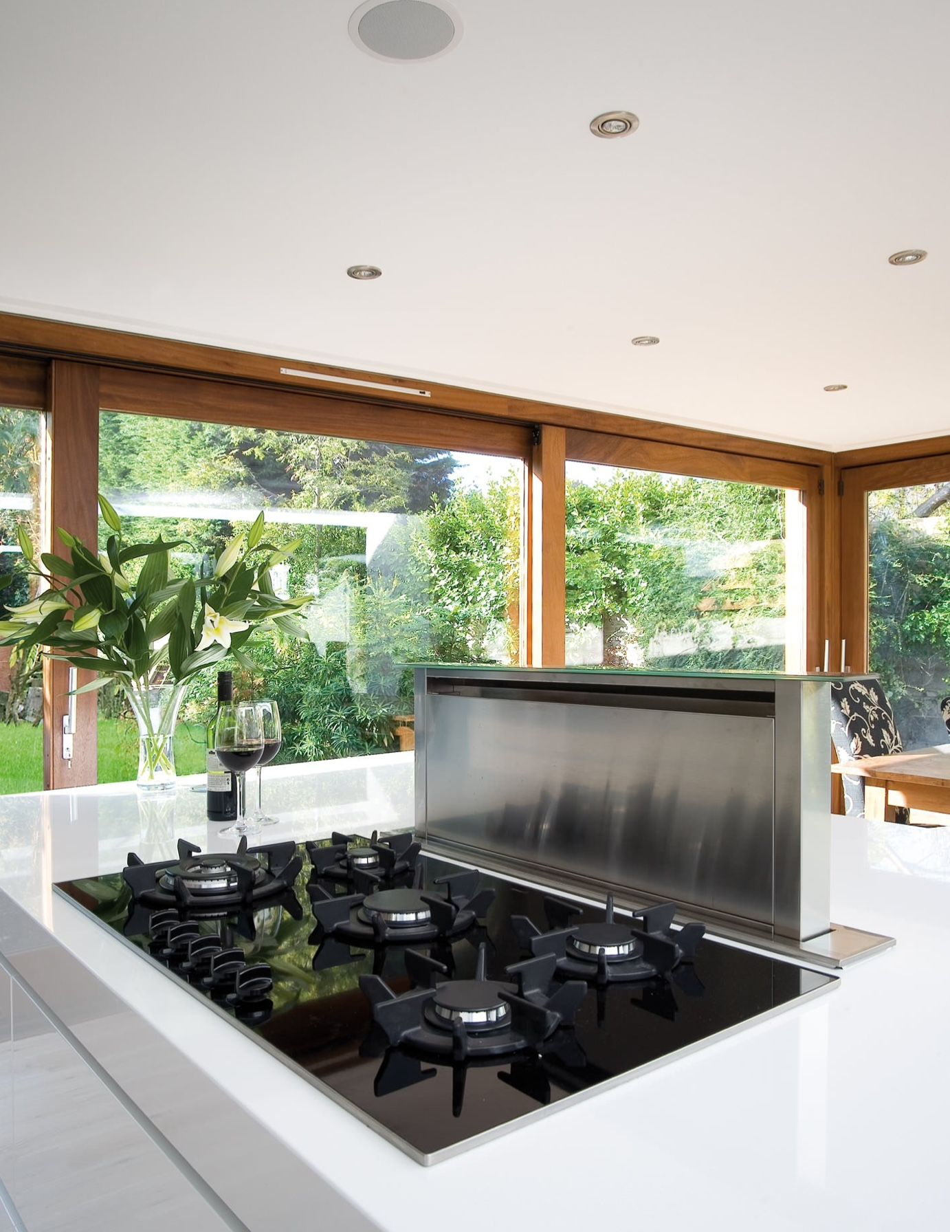 Downdraft A Downdraft Exhaust System Is One Of My Favorite Solutions When A Cooktop Is On An Island It Isn Contemporary Kitchen Kitchen Design Kitchen Plans