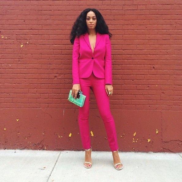 die besten 25 rosa anzug ideen auf pinterest hellrosa. Black Bedroom Furniture Sets. Home Design Ideas
