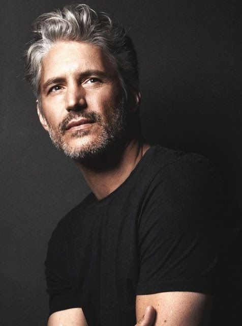 Resultado de imagem para imagens de homens modelos com mais de 50 anos