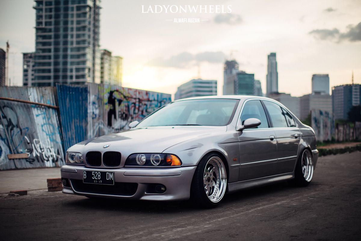 bmw e39 5 series silver deep dish bmw ultimate driving machine pinterest bmw e39 bmw. Black Bedroom Furniture Sets. Home Design Ideas