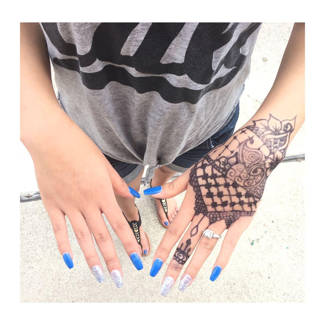 Hand design Hand henna, Hand tattoos, Henna hand tattoo