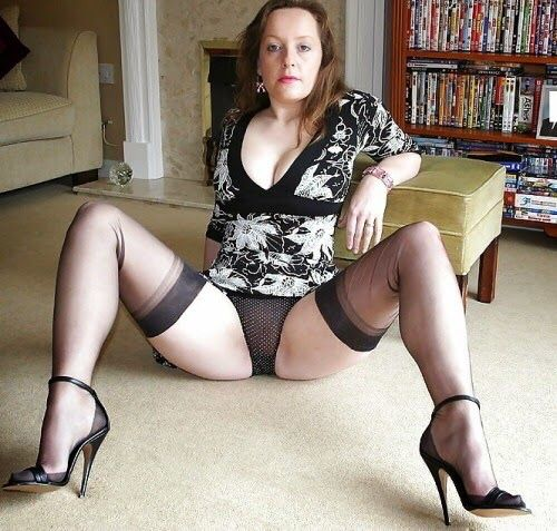 spread eagle mature wife Real