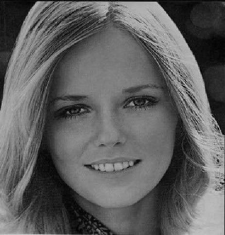 Cheryl Tiegs Young