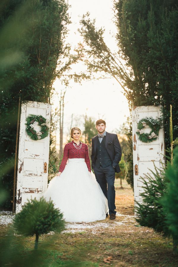 Christmas Tree Farm Weddings.Southern Christmas Tree Farm Wedding Inspiration Winter