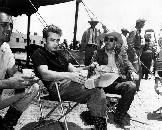 "James Dean in una pausa de ""Il Gigante"""