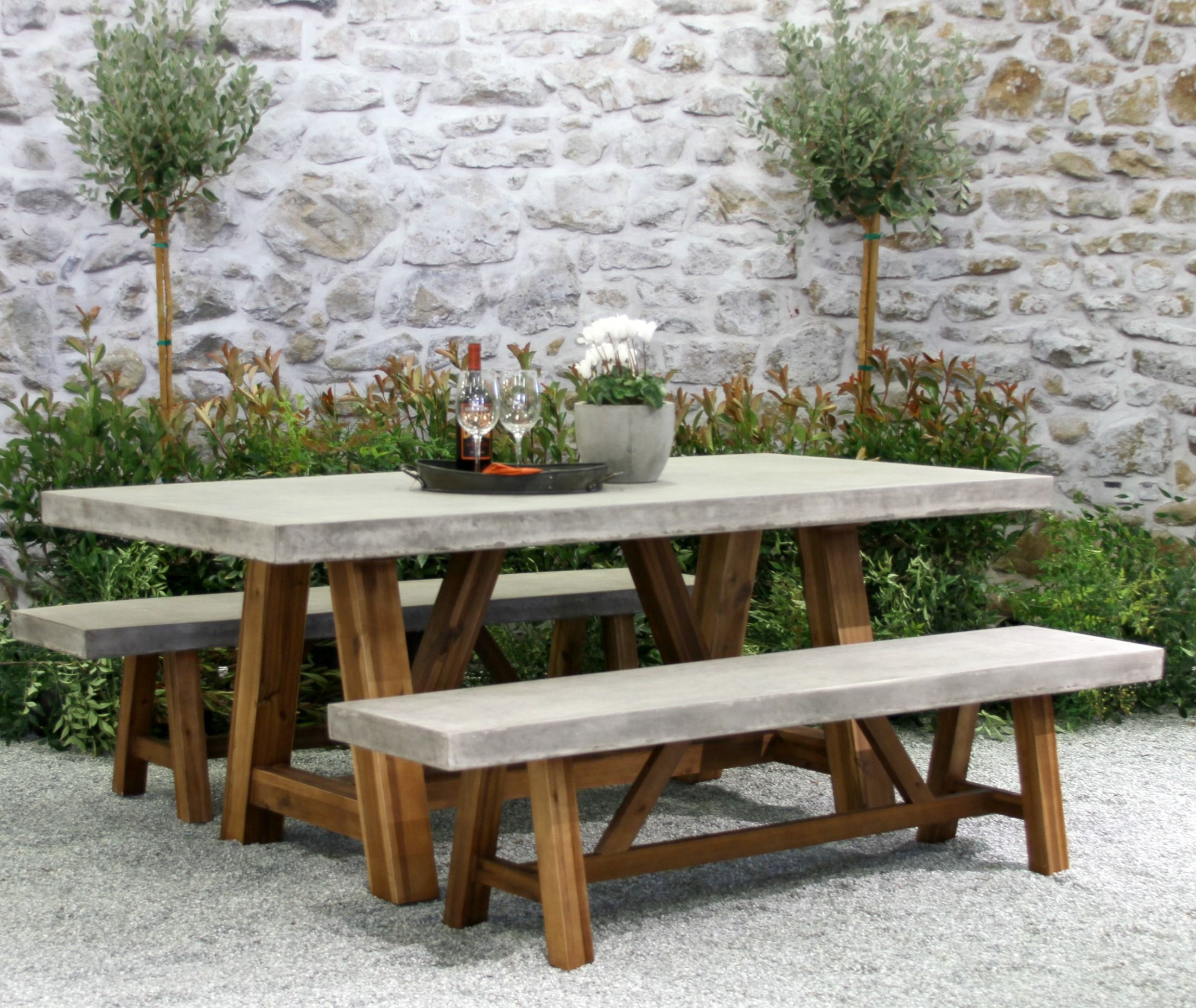 BORDEAUX DINING GROUP FINISHED Concrete outdoor table