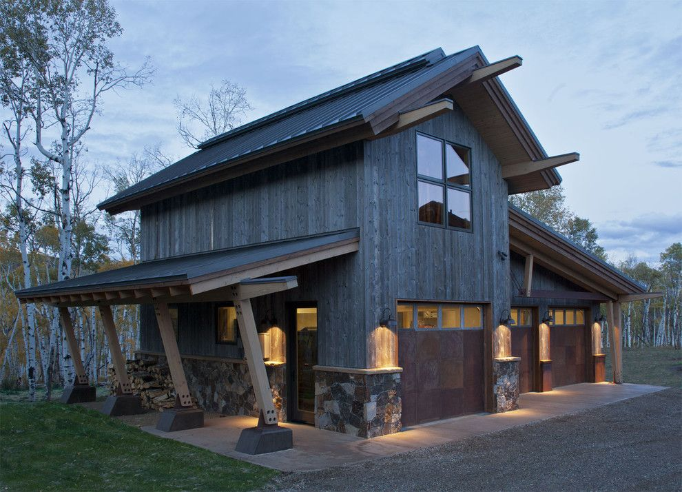 Rustic outside wood and tin doors beams garage doors for Cool pole barns