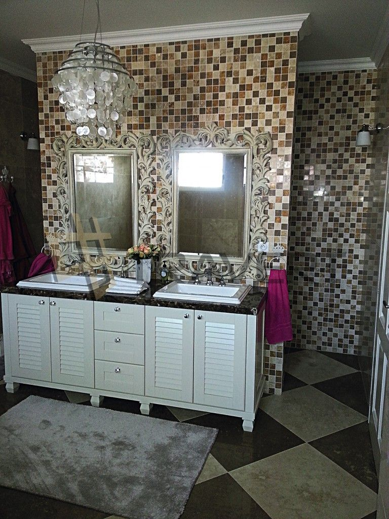 Šachovnicová kúpeľňa z travertínu ivory light a noce vyplneného lešteného | Travert s.r.o. http://travert.sk/referencia/sachovnicova-kupelna-z-travertinu-ivory-light-a-noce-vyplneneho-lesteneho