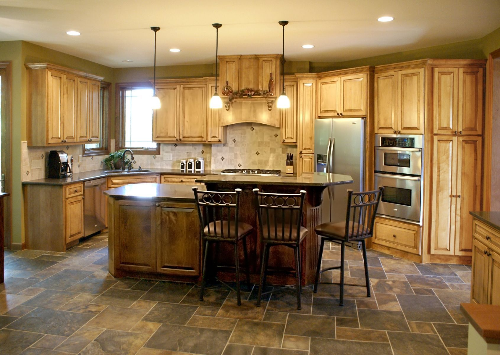 Custom Made Glazed Maple Kitchen Maple Kitchen Cabinets Maple Kitchen Kitchen Remodel