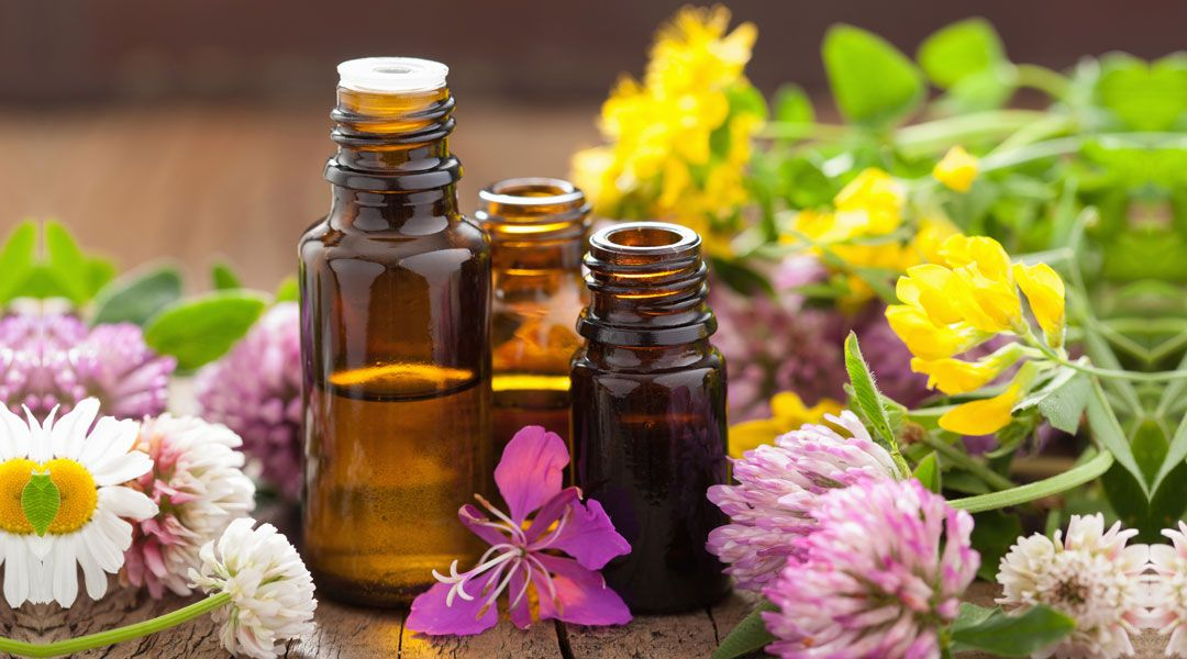 Aromatherapy & Pregnancy: Oils That You Can Use