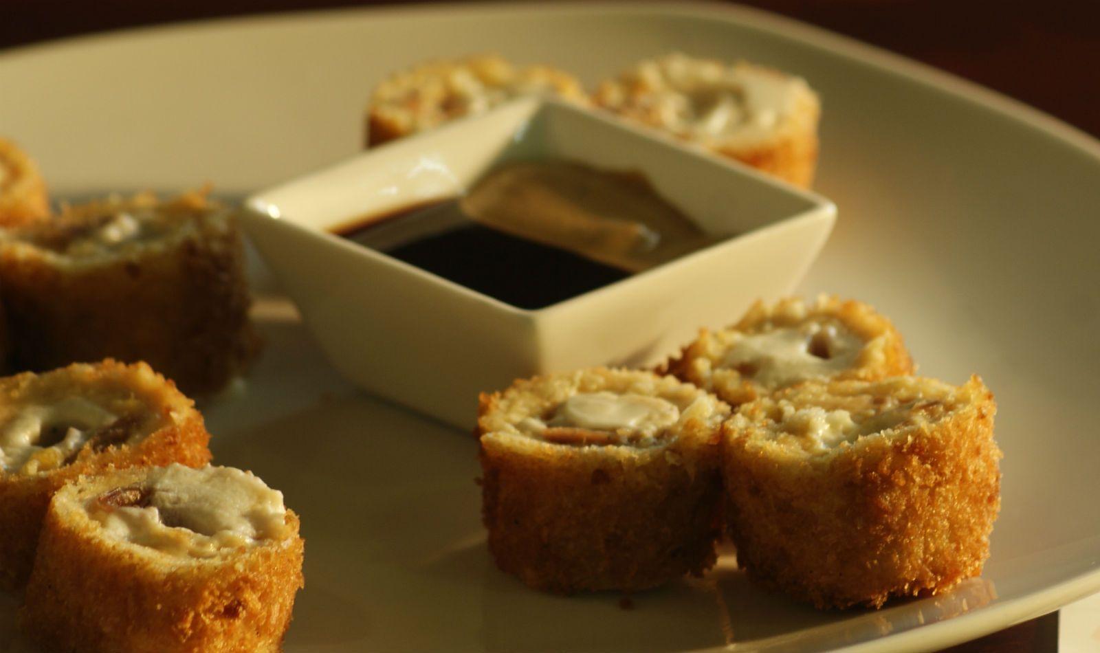 Sushi De Pollo Empanizado Food Drink Recipes