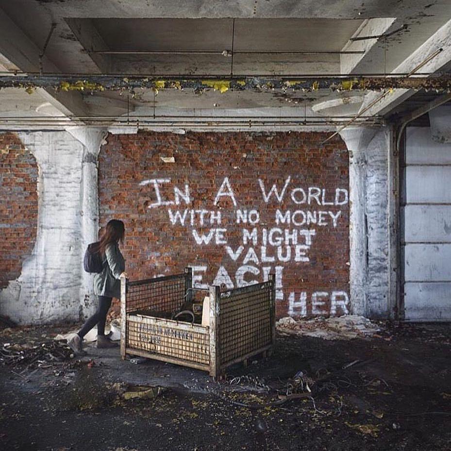 Polubienia: 7,405, komentarze: 33 – Abandoned Places