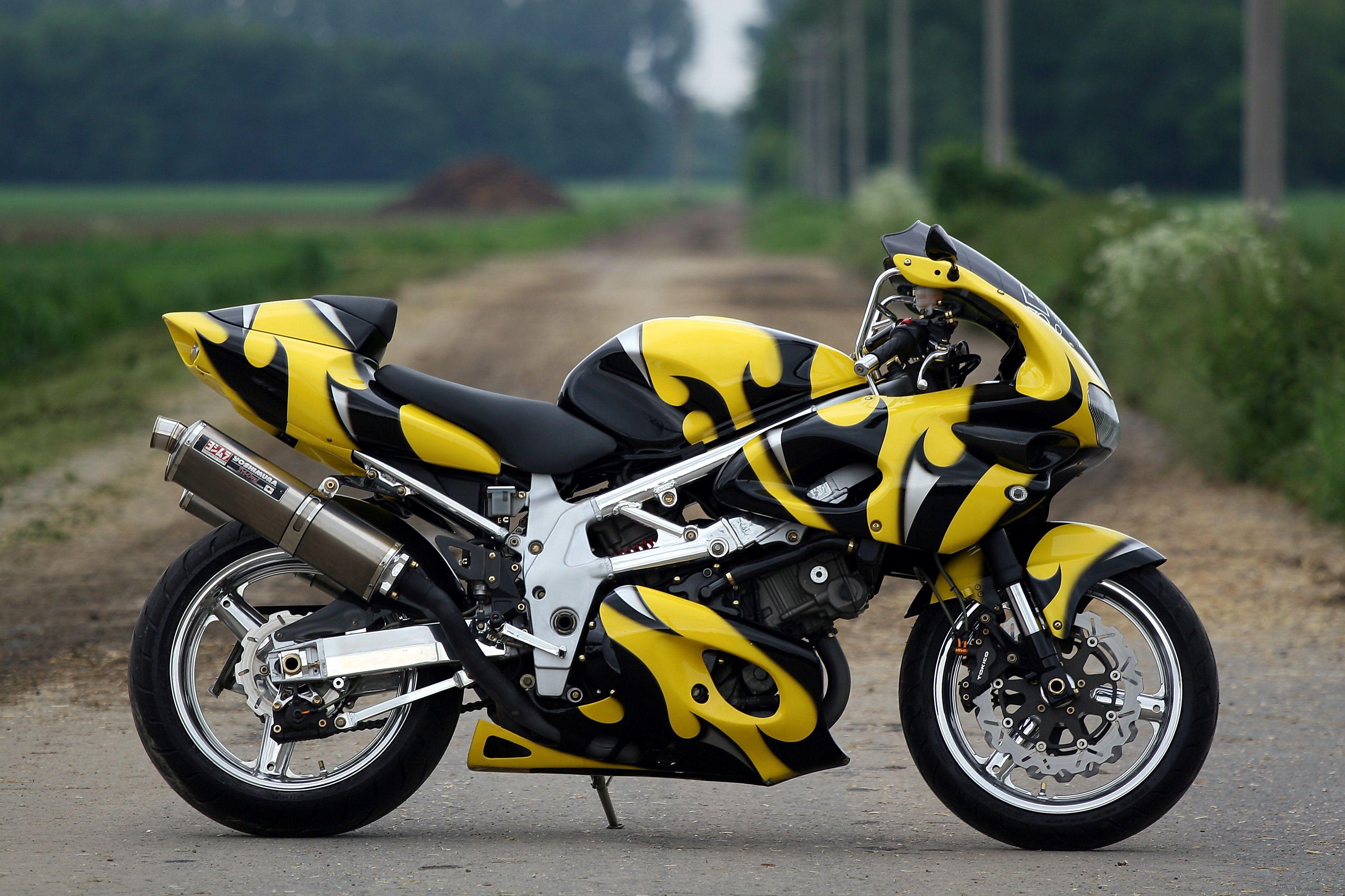 1997 Suzuki Tl1000 Sportbike for sale on 2040-motos