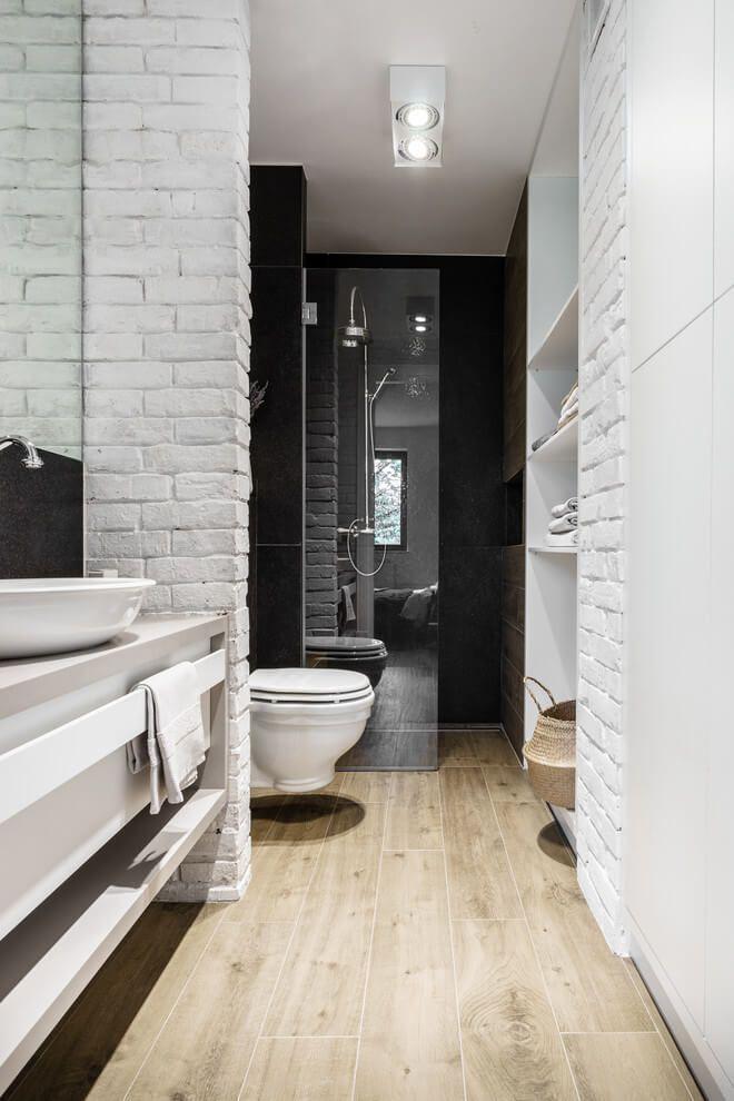 Stoere smalle badkamer in Poolse loft | Huis-inrichten.com ...