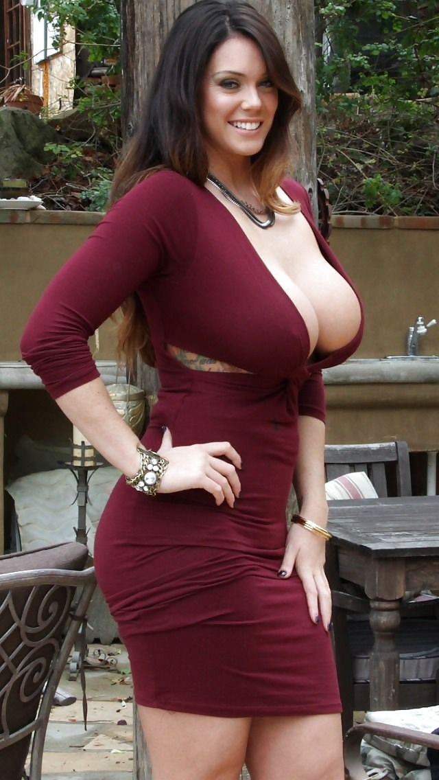 Curvy mature models