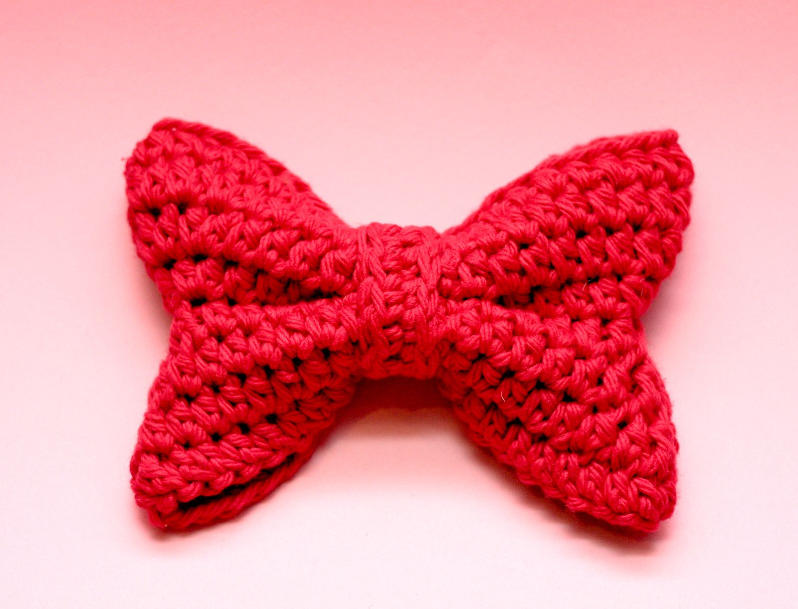 Cute Puffy Bow Crochet Pattern #crochetbowpattern