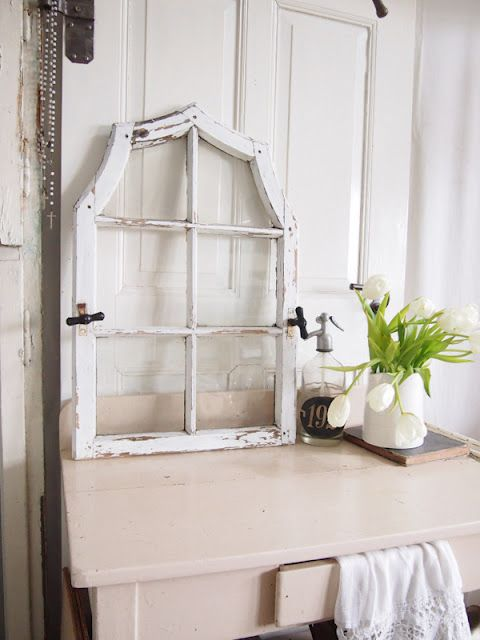 FaBuLouS Form - ViNtaGE Window...  AND It's ChiPPy-W*H*I*T*E