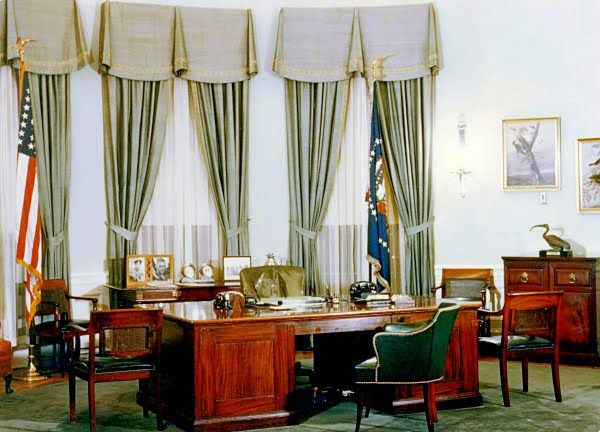 white house oval office. COTE DE TEXAS: And So, The New Decor At White House Begins! Ceo OfficeOval Oval Office