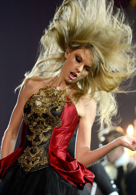 #TaylorSwift #Red #RedTour