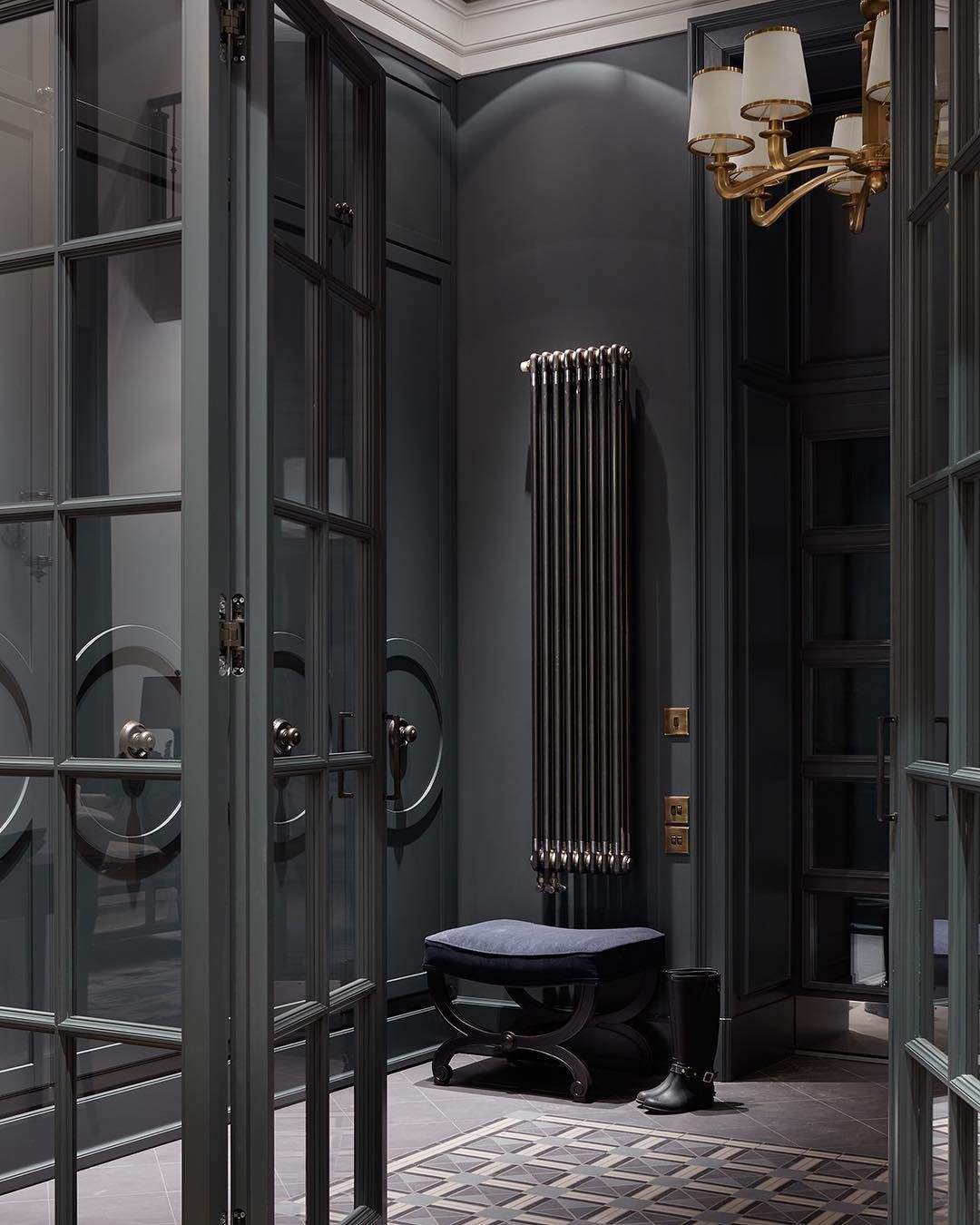 Design My Own Living Room Online Free: Dark And Mysterious The Stunning Entrance Hall In Bykovo