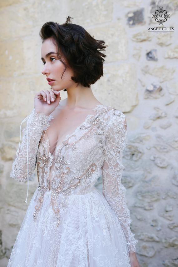 Robe de mariée royale OLIVIA avec train long par ANGE ETOILES – Robe de mariée princesse – Robe de mariée de luxe – Robe de mariée à dos ouvert – couture
