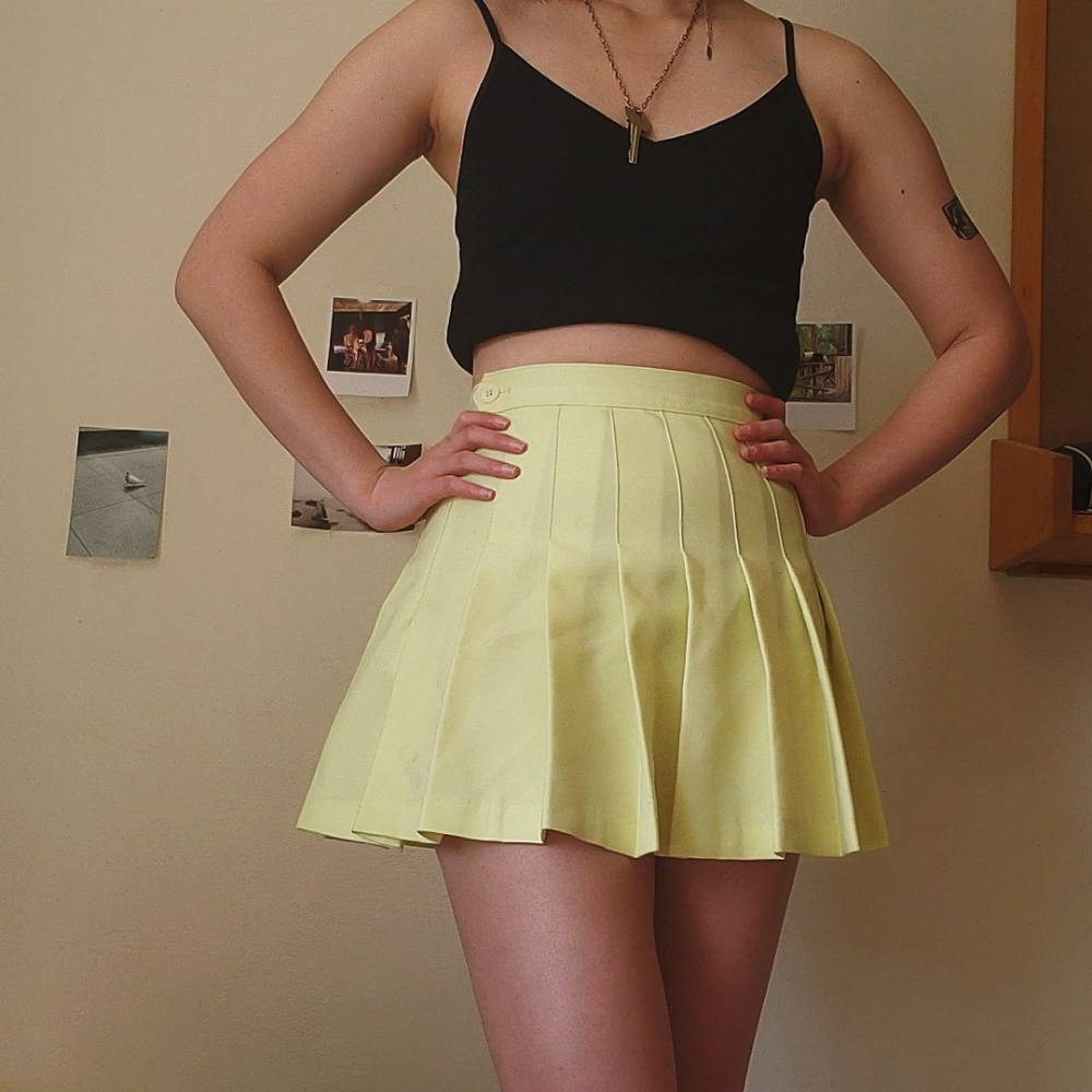 Vintage Pastel Yellow Pleated Skirt So Cute And Depop In 2020 Yellow Pleated Skirt Tennis Skirt Outfit Yellow Skirt Outfits