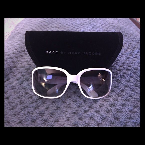 Marc by Marc Jacobs Sunglasses Never worn! They're too big for me but super cute! Marc by Marc Jacobs Accessories Sunglasses