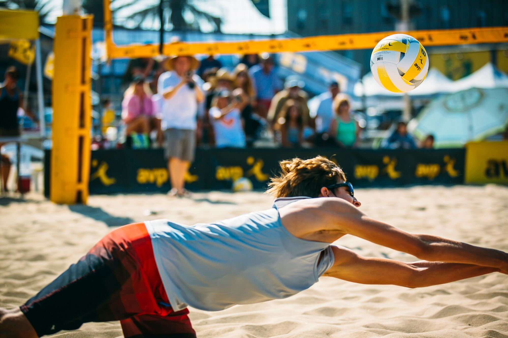Hermosa Beach May Border Manhattan Beach Geographically But There Is No Doubt That Each City Has Its Own Identity Hermosa Beach Beach Events Beach Volleyball