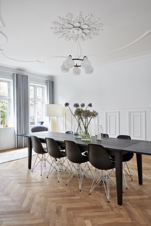 En Herskabelig Villa Med Moderne Interior Interior Design Stue Indretningsarkitekt Boligindretning