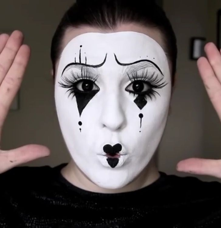 Halloween Joker Card.Halloween Idea This Mime Makeup With Red Sparkly Heart Lips And A