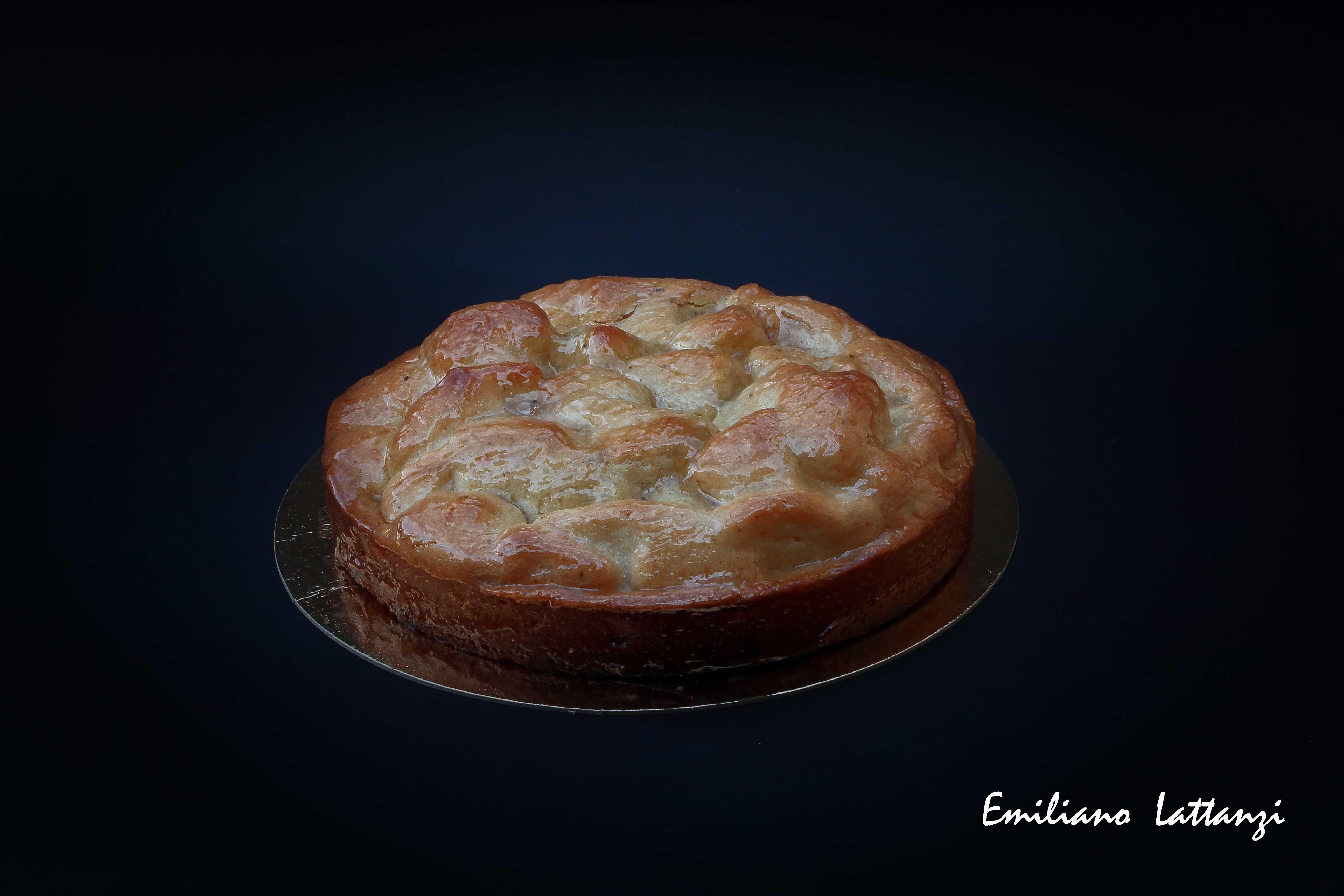 Cuor di mela - Davide Comaschi  Pasta frolla alla mandorla  Pan di spagna bagnato al limoncello  Mele con vaniglia e limoncello Pasta frolla alla mandorla