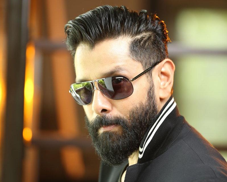 Vikram wraps up Iru Mugan moves to Garuda in 2019