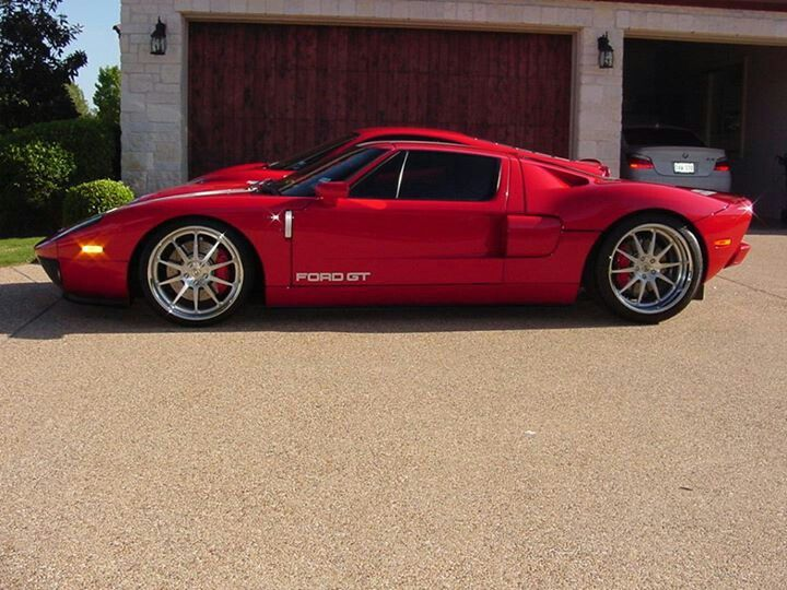 Ford GT...