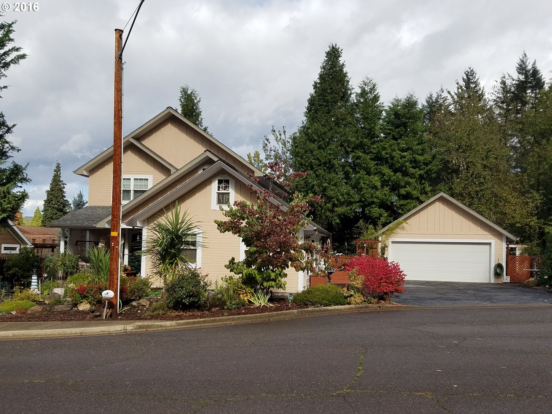 myrtle creek singles over 50 This newly foreclosed single family home property is located at 351 indian lane, myrtle creek, or 97457 it has 3 bedrooms and 25 bathrooms on 2368 sqft.