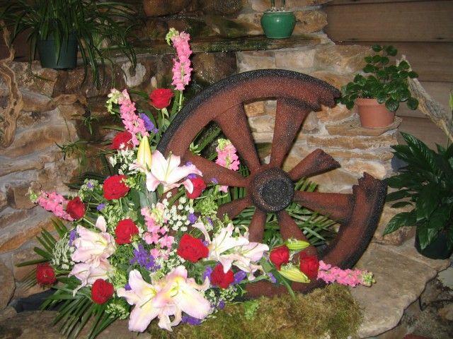 Flower Cottage In Cortez Co Sympathy Arrangements Funeral Flower Arrangements Funeral Flowers Cemetery Flowers