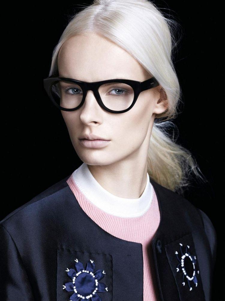 schminken mit brille bisneslook schwary rahmen dick blond frau hell brillen pinterest. Black Bedroom Furniture Sets. Home Design Ideas