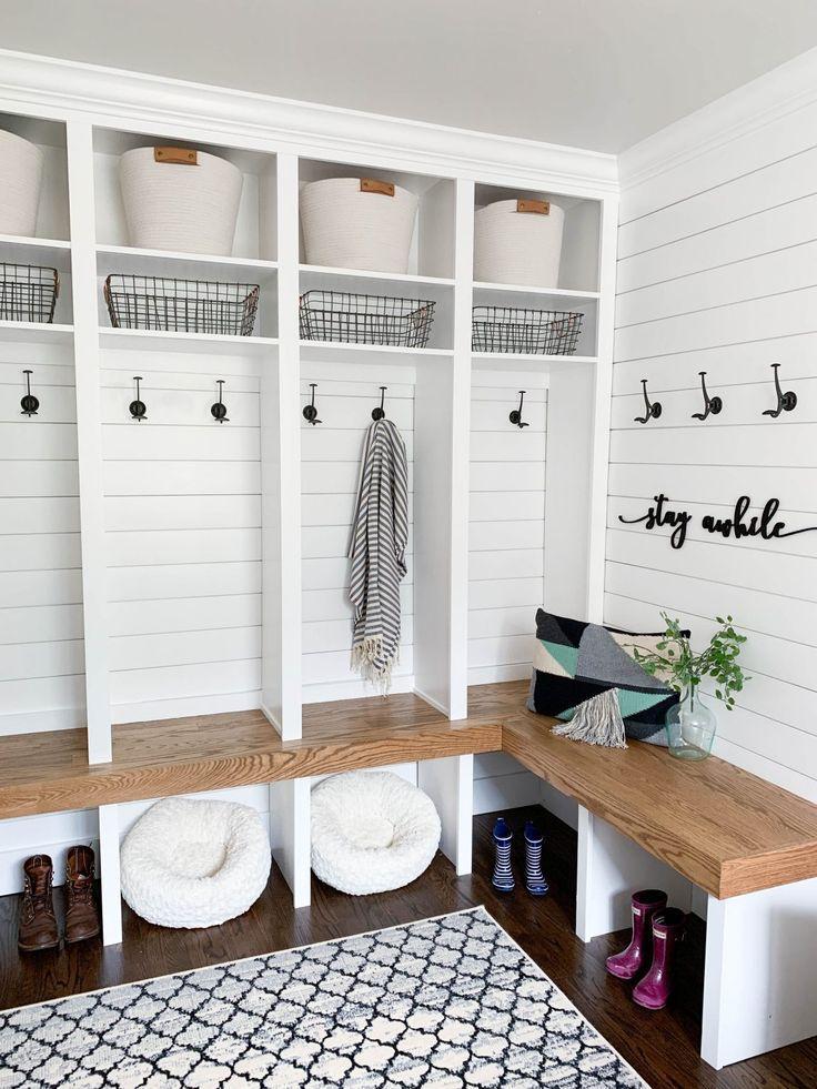 25+ Farmhouse mudroom laundry room type