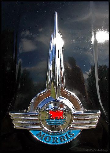 Automobilia Vintage Classic Morris Bonnet Badge